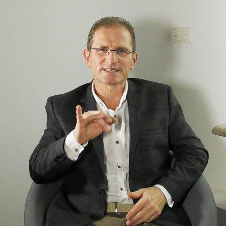 Wywiad z Markiem Kazubskim, prezesem Ruchu Społecznego Głuchych i ich Przyjaciół (RSGiP) oraz Polskiej Federacji Głuchych