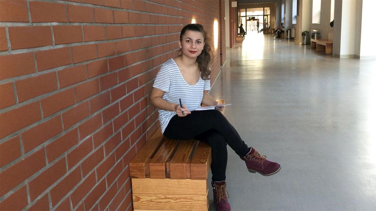 niesłysząca studentka opowiada o początkach na uczelni