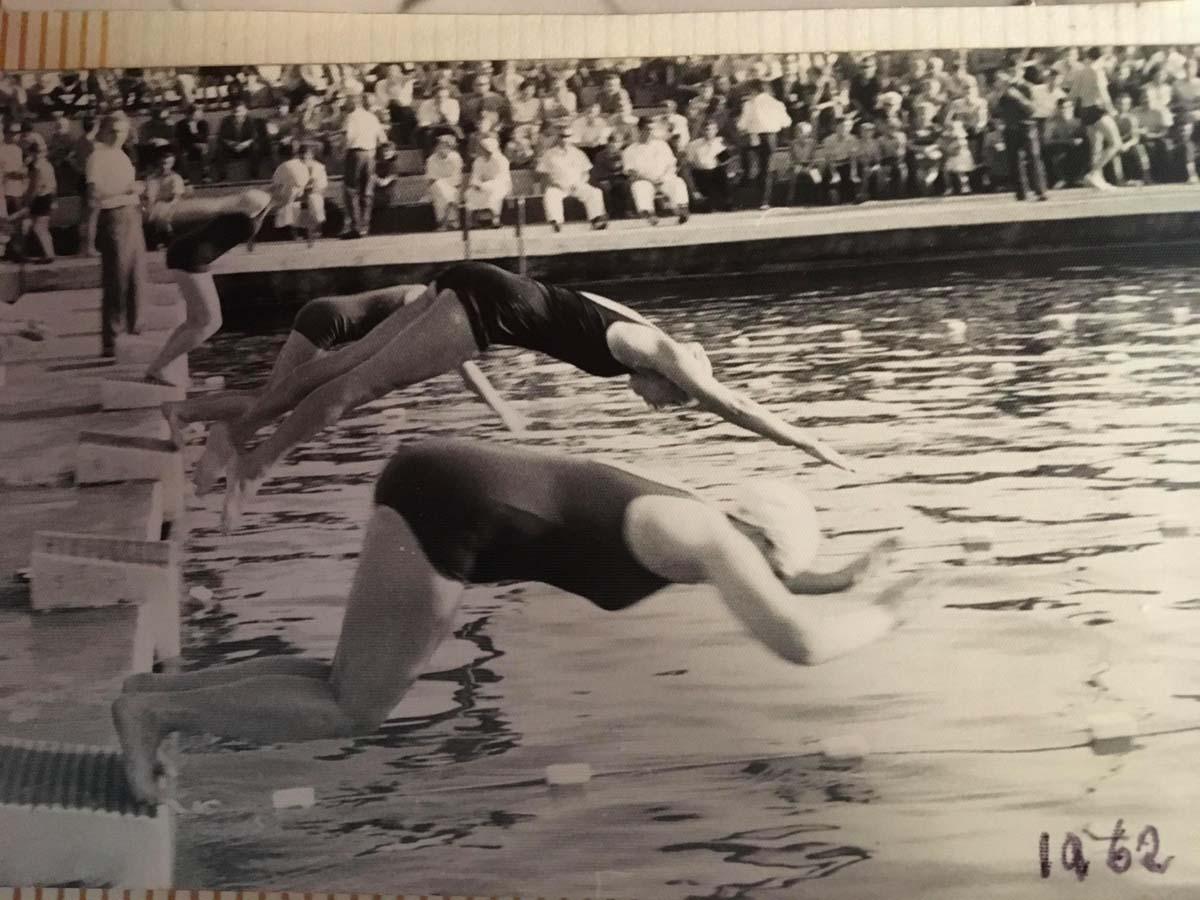Józefa Muszyński-Czerwińska — Na basenie, 1962